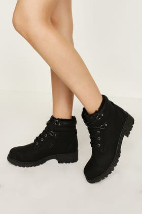 BLACK D RING LACE UP WORKER BOOT