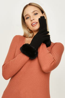 BLACK JERSEY WITH FUR GLOVES