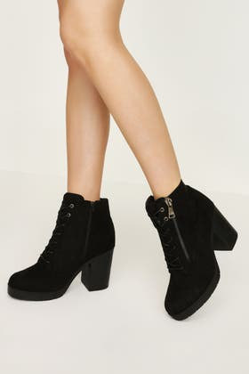 BLACK MID HEEL LACE UP ANKLE BOOT