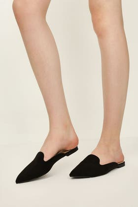BLACK POINTED HALF LOAFERS