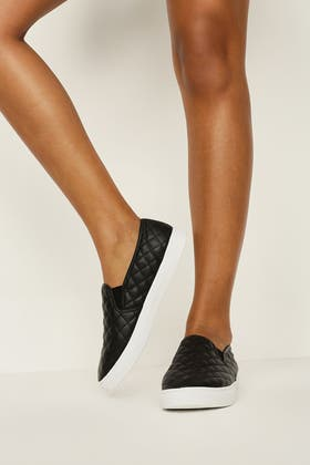 BLACK QUILTED PU SLIP ON