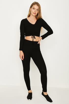 BLACK RUCHED FRONT LONG SLEEVE AND RIBBED LEGGING SET