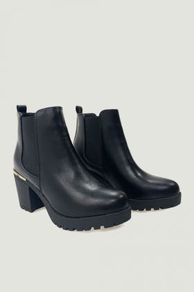 BLACK TRIM CLEATED UNIT ANKLE BOOT