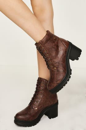BROWN CHUNKY LACE UP ANKLE BOOT