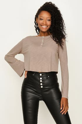 FRAPPE BUTTON FRONT HENLEY CROP TOP