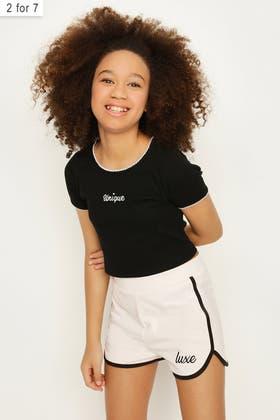 BLACK GIRLS UNIQUE SCALLOOP EDGE TEE