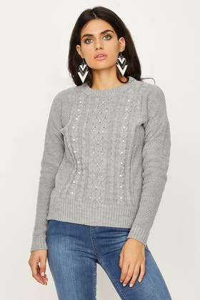 GREY CABLE JUMPER WITH PEARL DETAIL