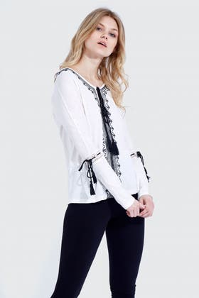 IVORY EMBROIDERED TASSEL GYPSY TOP