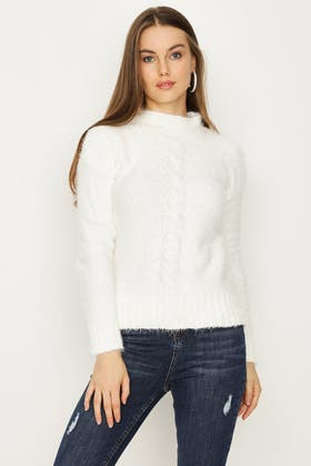 IVORY FLUFFY AND CABLE CHENIELLE JUMPER