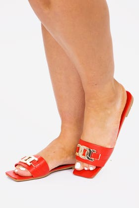 RED CHAIN DETAIL SQUARE TOE MULES