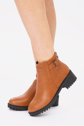 BROWN BUCKLE DETAIL CHELSEA BOOTS