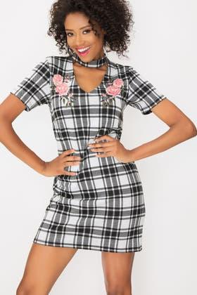 MONO EMB CHOKER CHECK SHIFT DRESS