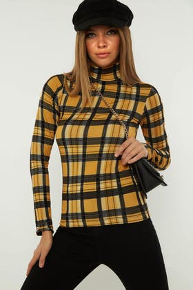 MUSTARD CHECK BRUSHED ROLL NECK