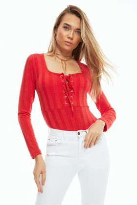 RED LACE UP SQUARE NECK WIDE RIB BODY