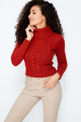RUST CABLE ROLL NECK JUMPER