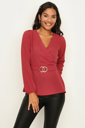 EARTH RED CREPE RING BUCKLE BELTED BLOUSE