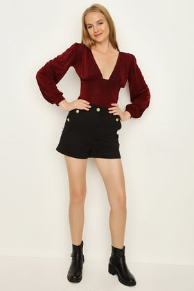 BLACK GOLD BUTTON TAILORED SHORTS