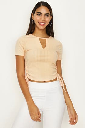 WASHED APRICOT KEYHOLE RUCHED FRONT TEE