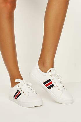 WHITE ONE STRIPE LACE UP TRAINER